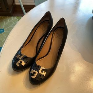 Gently Used Tory Burch Wedges size 9